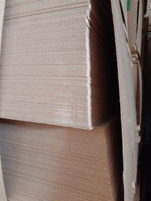 Плита древесноволокнистая покрашена, ДВПО белая, 1 сорт, эмиссия Е1, плотность 850-900 кг / м.куб